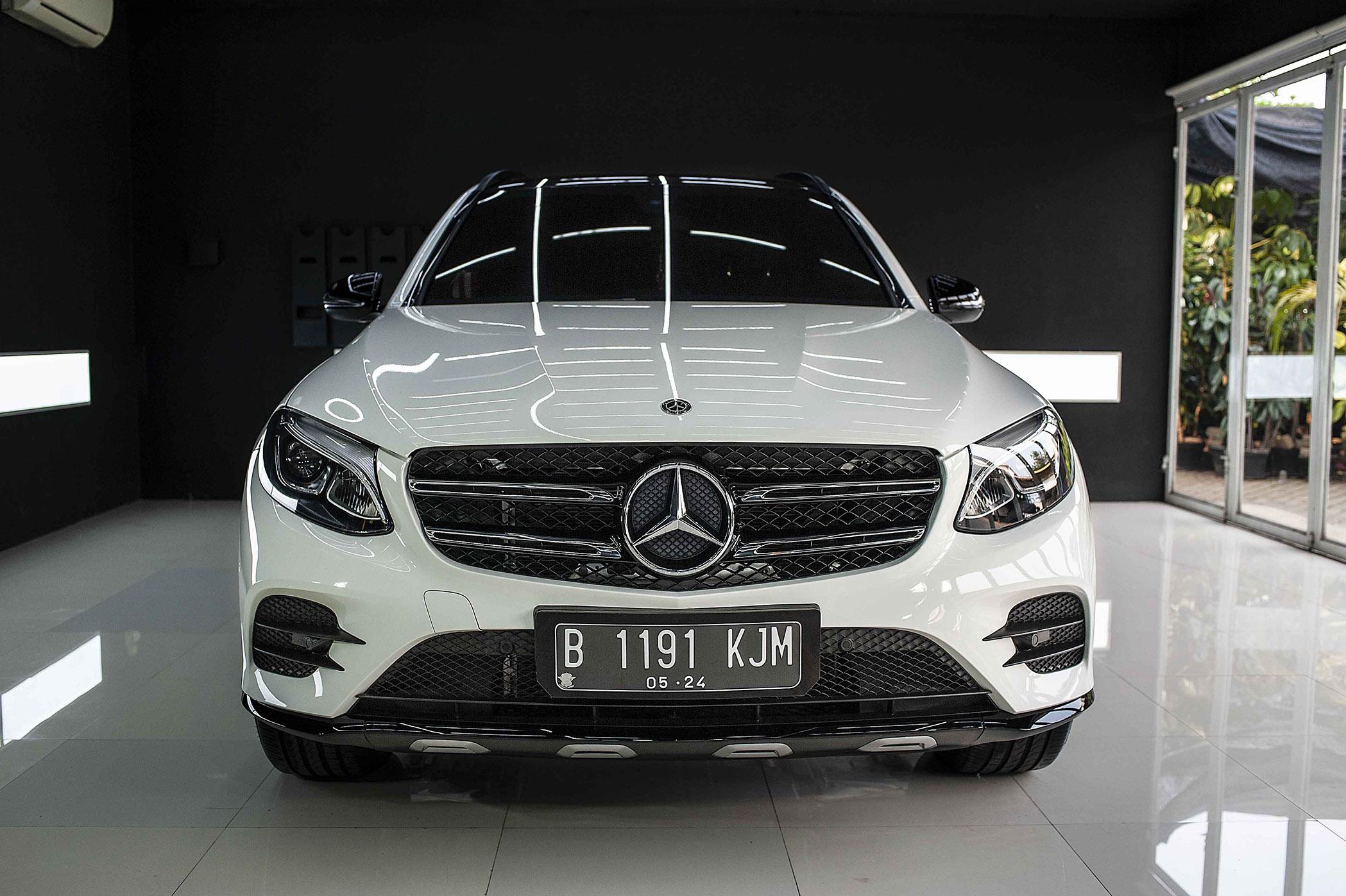 Mercedes Benz GLC 200 for CarPro Cquartz Finest Reserve