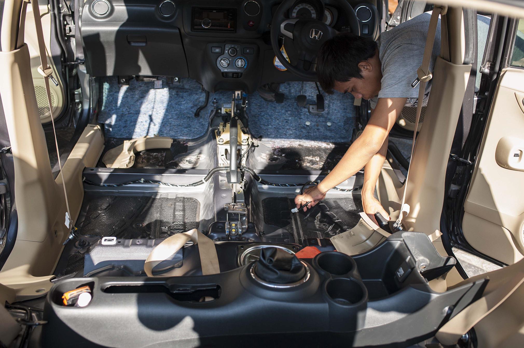 Deep Cleaning Interior Honda Brio